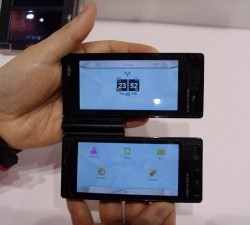 Fujitsu developing dual display handset